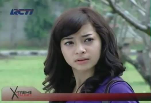 Amira berbalik pada Prabu, ketika mendengar Prabu bilan sayang sekali ...