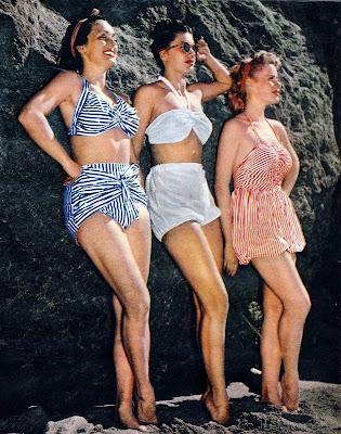 фото - три девушки в ретро-купальниках