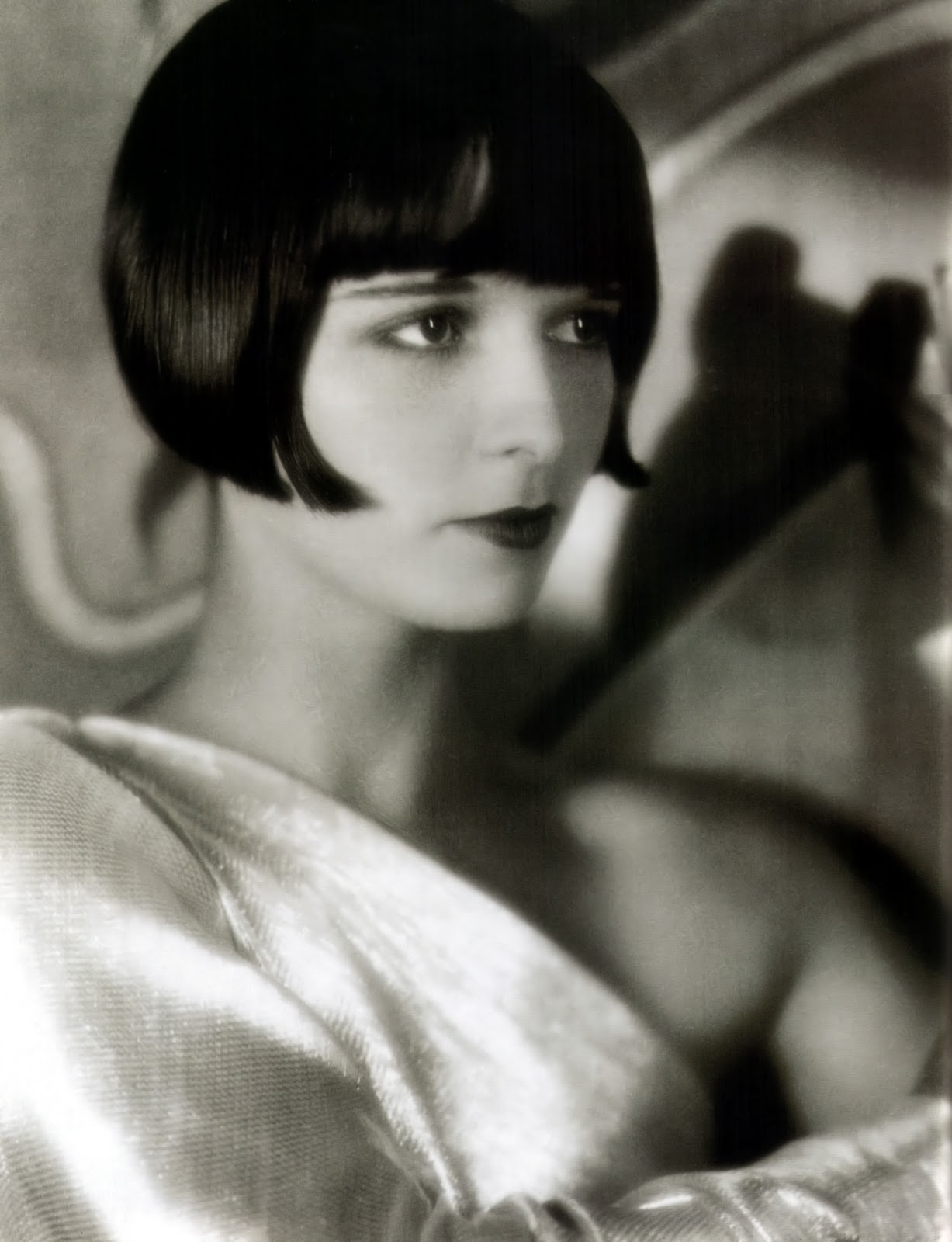 Louise Brooks Bob Hairstyle