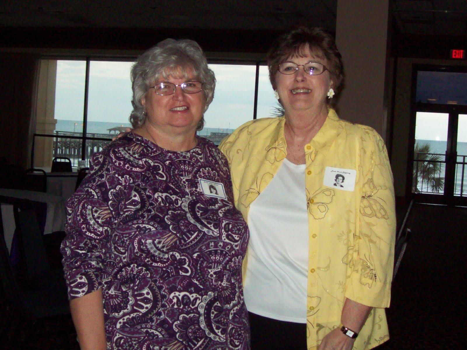 http://4.bp.blogspot.com/_kO5arUCh3aA/S_1YSsj-rcI/AAAAAAAAAKw/IaaEe1YMzuo/s1600/Sandra+Surles+and+Linda+Ward.JPG