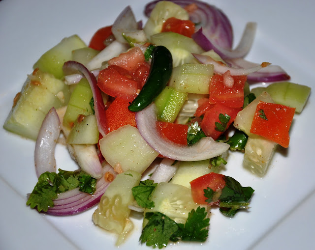 Basic Indian Salad... Tamatar Piyaz Aur Kheera Salad (Tomato, Onion ...