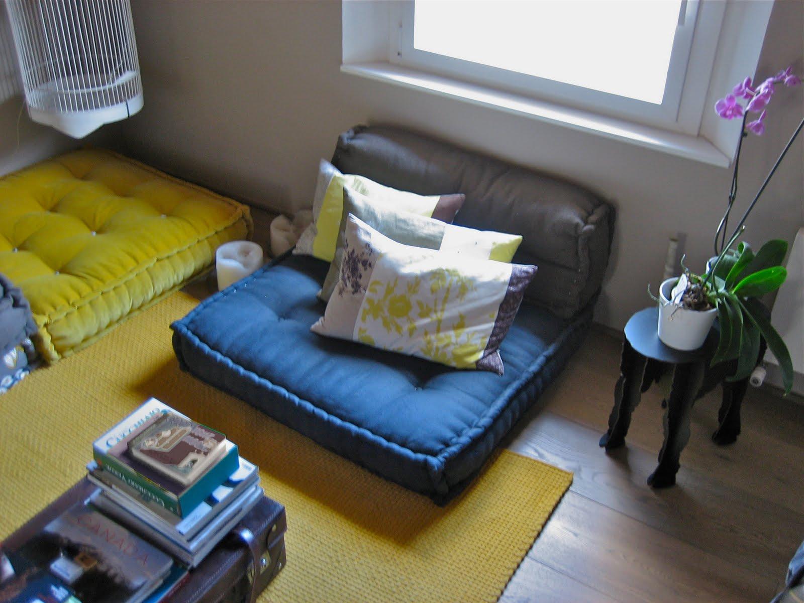 Da un materasso a un divano a cuscini trapuntati for Cuscini divano