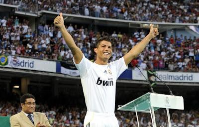 Cristiano Ronaldo Presentation Photos (Pictures) at Santiago Barnabeu id=