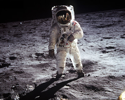 Apollo Moon Landing Photos. Apollo 11 moon landing.