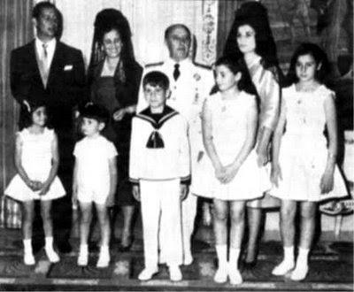 cospedal visita el diario deportivo AS Franco_y_familia