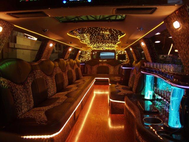 Hummer limousine wallpaper