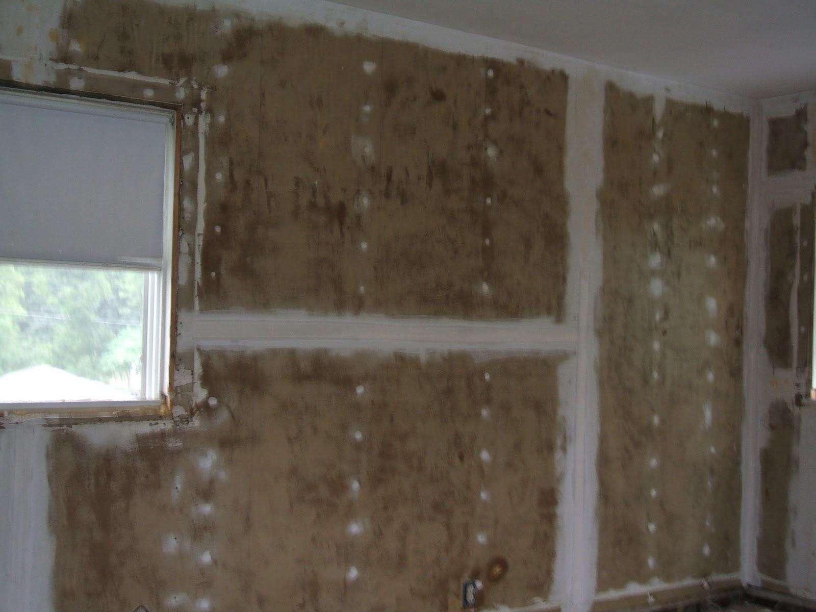 http://4.bp.blogspot.com/_kTkXC42XQPk/TMb0GLhYd7I/AAAAAAAAA6c/WFUjbBROE0w/s1600/DIY+Home+Improvemenet+-+Bedroom+Wallpaper+Fixing.JPG