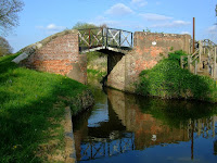 Canal bridge at Wotton Wawen