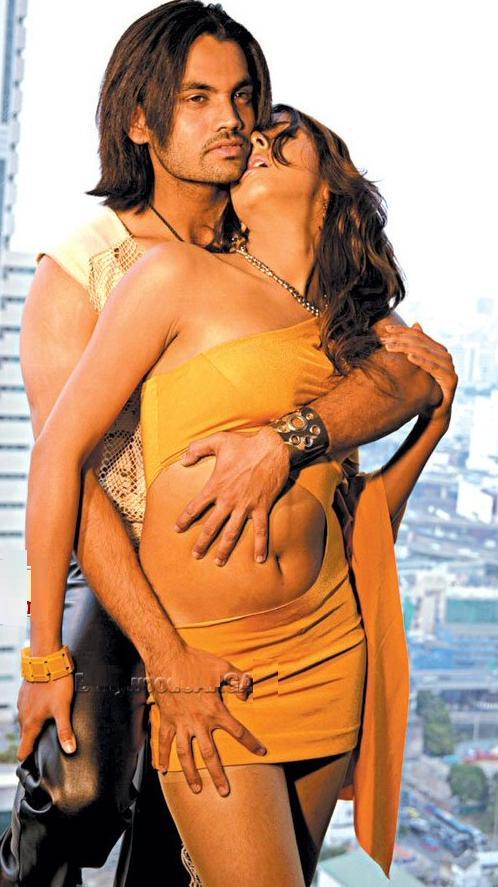http://4.bp.blogspot.com/_kV946Sjk7kc/R1F0OREDKyI/AAAAAAAAEBI/OlX3fvrQYG8/s1600-R/Tamil+Hot+Movies.jpg