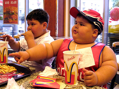 funny pictures of fat people eating. 2011 pictures of people eating