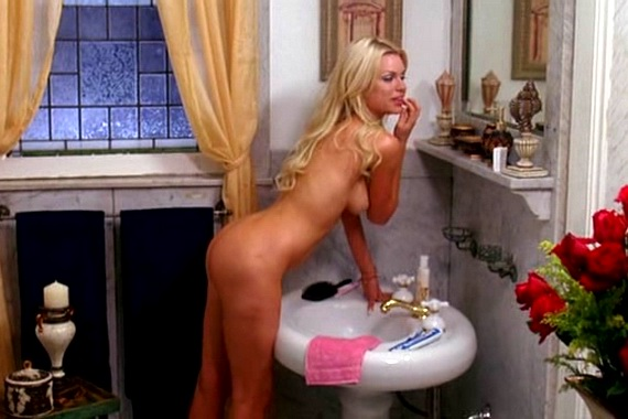 Sophie Monk, Sex and Death 101 (2007), Screencap 008