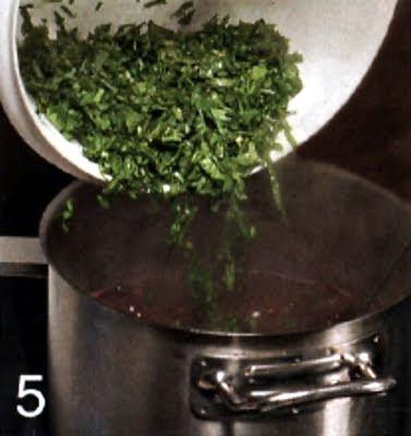 Как приготовить зеленый борщ (шаг 5)