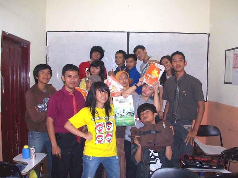 Foto Bersama Dengan Siswa Intensif IPS 2009/2010