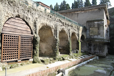 No 1, Barrel Arches (Fornici)