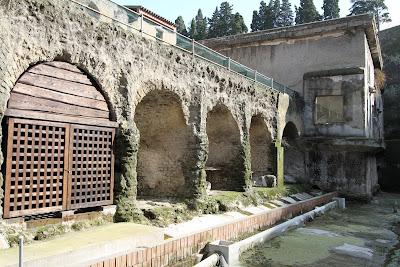 No 1, Barrel Arches (Fornici)