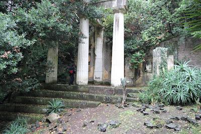 English Garden - Faux Ruins