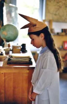 http://4.bp.blogspot.com/_k_U7B7KwF_A/R_dgN3ozjhI/AAAAAAAABy0/KVR91A1D1lE/s400/medium_bonnet-d_ane.jpg