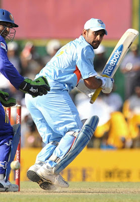 Mahendra Singh Dhoni, Indian cricket team captain
