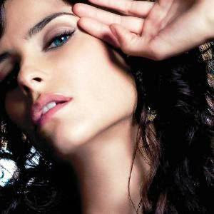 Nelly Furtado Manos Al Aire MP3 Lyrics,English Translation,Mano Al Aire