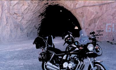 La imagen del túnel vectorizada superpuesta al mapa de bits