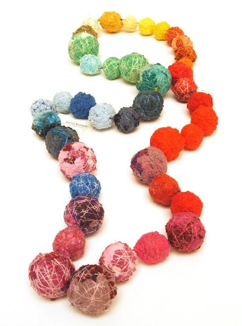 collar bollos multicolor