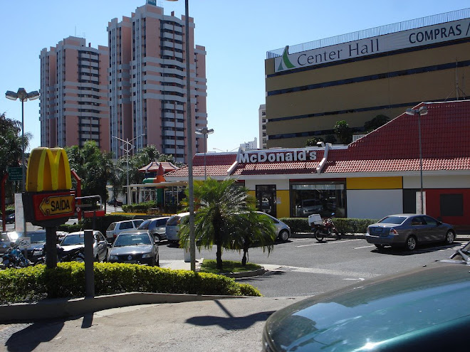 Center Hall e Mc donald