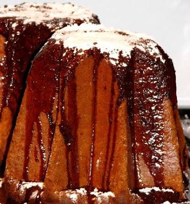 Pandoro Christmas Cake