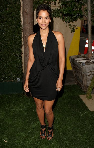pictures of halle berry dresses. halle berry dresses.