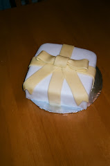 Fondant Gift Cake