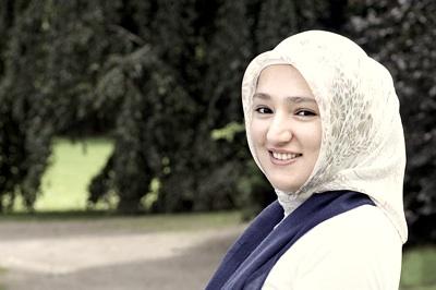 Kübra Yücel, Bloggerin, Muslimin, Studentin. Quelle: http://ein-fremdwoerterbuch.blogspot.com/