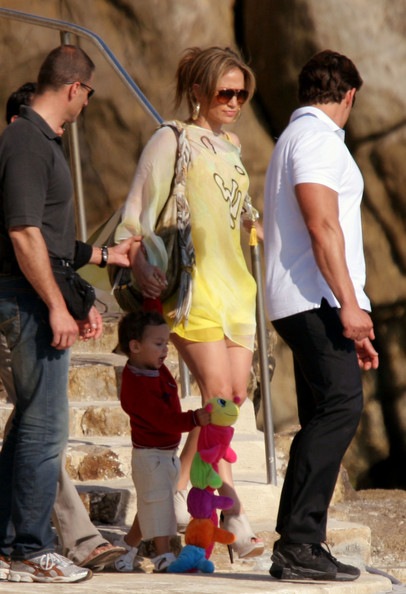 jennifer lopez kids now. Jennifer Lopez seen soaking up