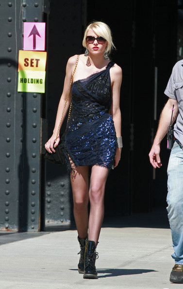 steal their style  taylor momsen back on the gossip girl set