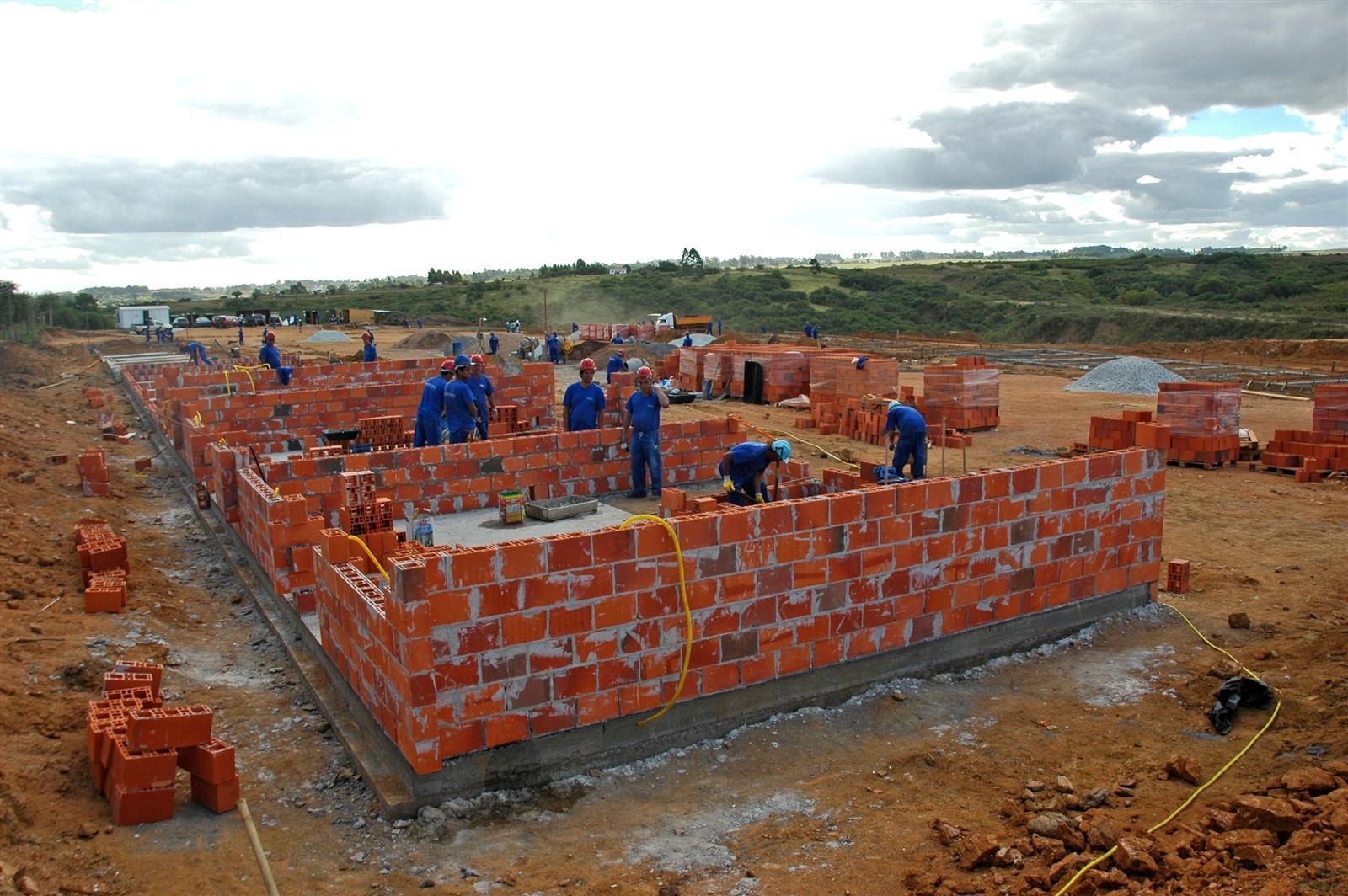 Projeto reserva residência para idosos e portadores de necessidades #1F3669 1600 1064