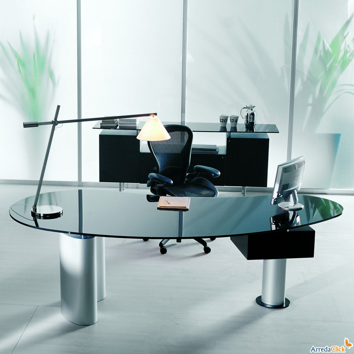 Arredaclick mobilier italien bureaux et chaises de for Scrivanie in vetro e acciaio