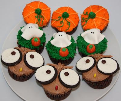 Julie 39 S Scraps And Cakes Halloween Cupcake Workshop