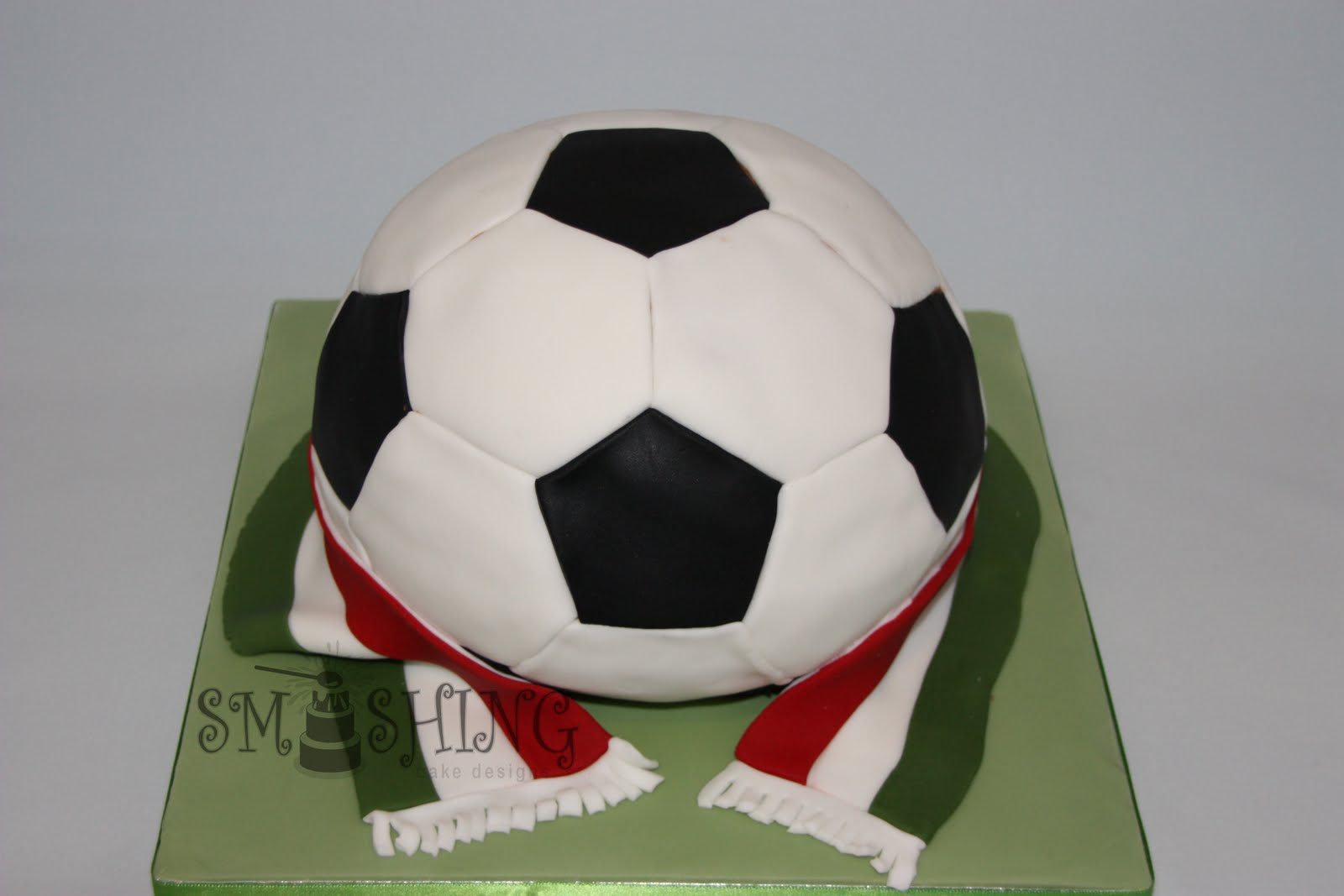 Cake With Ball Design : Smashing Cake Designs: June 2010