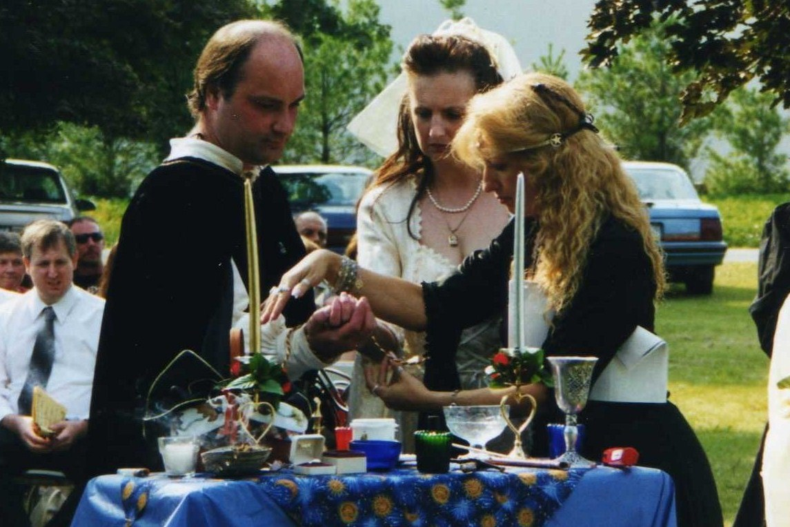 The wiccan life handfasting ceremony handfasting ceremony junglespirit Gallery