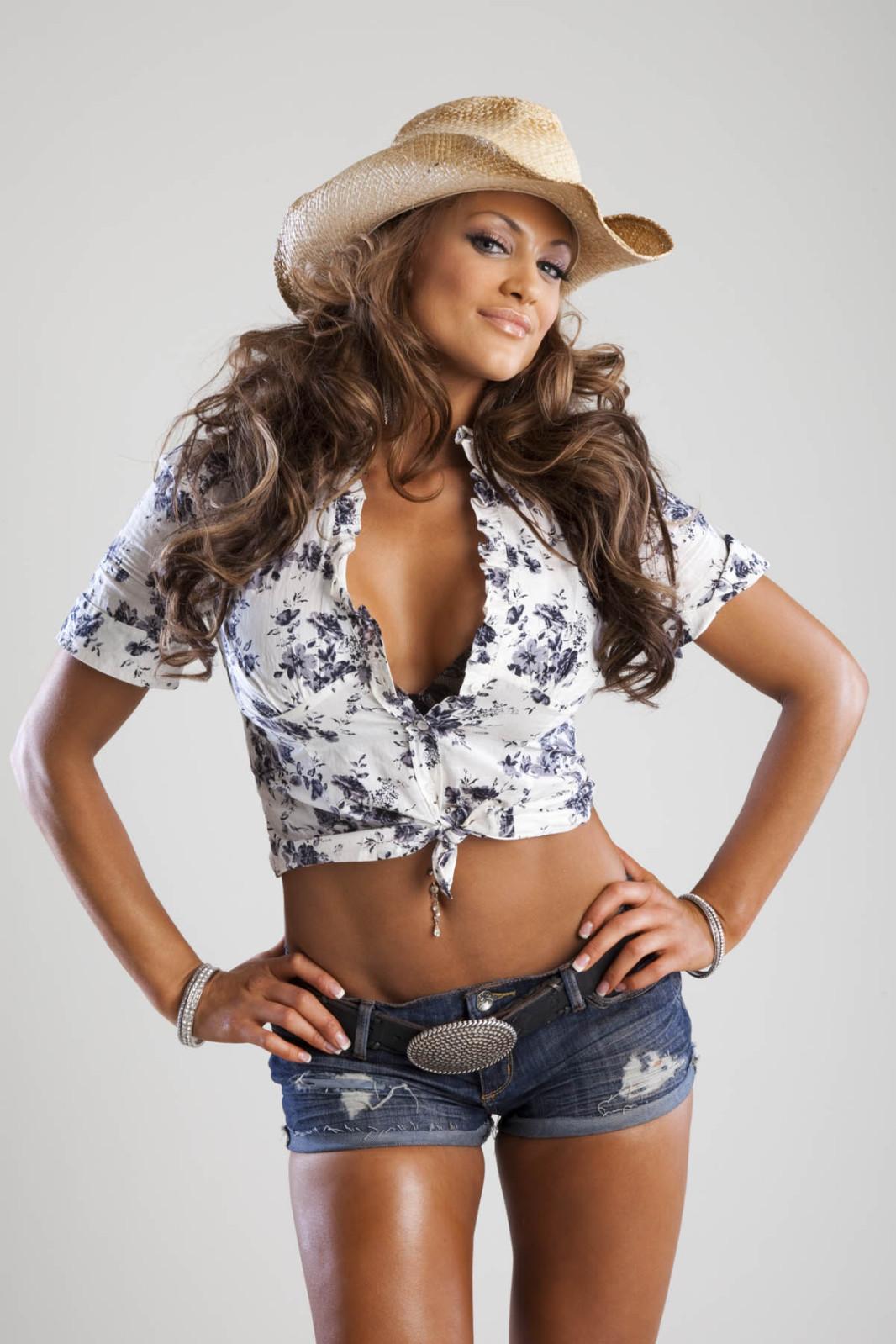 http://4.bp.blogspot.com/_kmIHGDi2Lss/TQ2wQf8Ld7I/AAAAAAAABpU/iWNd91rsj4o/s1600/Eve-Torres34.jpg
