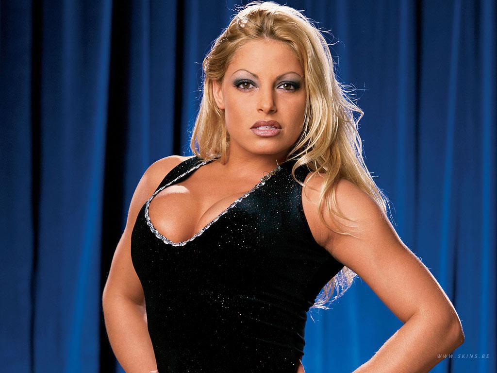 Wwe trish stratus new for Diva 2000