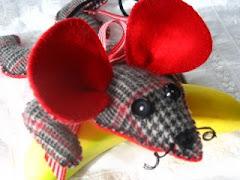 Plaidius. A Cashmere Mouse