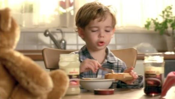 Pekmez: yiyen çocuklar ile ilgili görsel sonucu