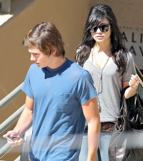 Zac Efron And Vanessa Hudgens Naked Together 35