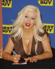 Christina Aguilera's Huge Preggo Boobs Are Shrinking Pics GutterUncensored