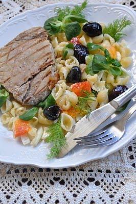 [odrezak+od+tune+na+salati+od+komoraca+i+narandze+sa+testeninom]