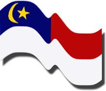 http://4.bp.blogspot.com/_kvvDDS8rDBg/SlXFThhyMAI/AAAAAAAAABQ/nfv9xehBAHs/S220/bendera+melaka.jpg