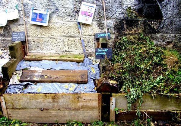 Compost paris jardins du ruisseau paris 18 for Jardin 75018