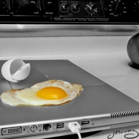 http://4.bp.blogspot.com/_kxPG6y8Qctk/S3GnnTzDwBI/AAAAAAAAVnE/gRYTM0OzL4Y/s800/Laptop+Funny+(2)..jpg