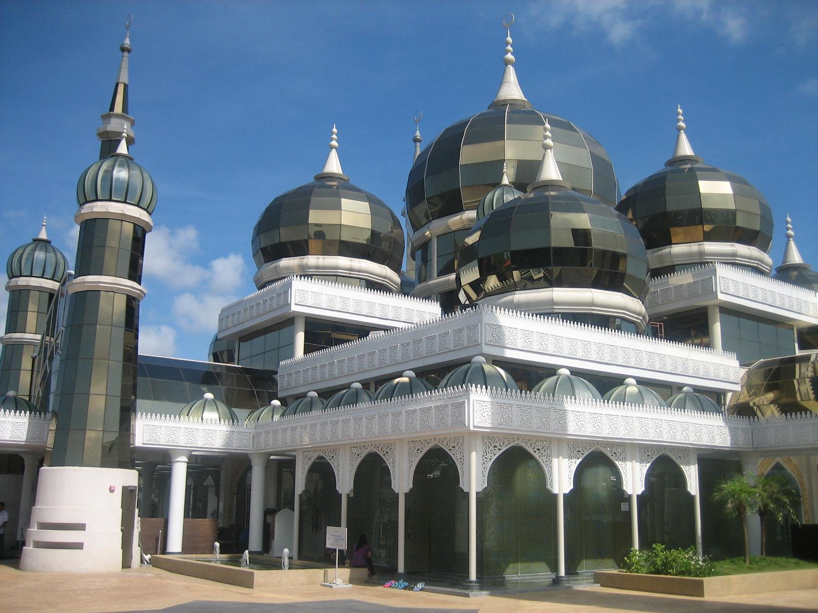 Johore ------->>> Terengganu. Perjalanan Yang Jauh: Masjid