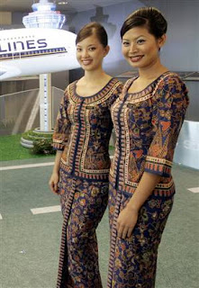 Picture Singapore Girlfriend on Singapore Airlines Aircraft Stewardess In Uniform   Airlines