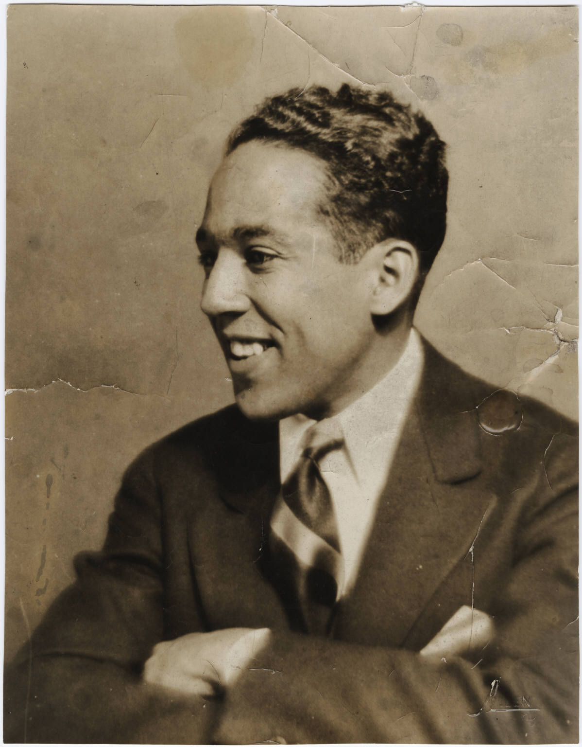 james langston hughes and the influence of the harlem renaissance Langston hughes was greatly influenced by the roaring twenties, the great depression, the harlem renaissance, and racism and prejudice in 1926-1936 when he wrote selected poems  the roaring twenties was a time of prosperity for america where people used their wealth to get away from traditional ideas and inhibitions.